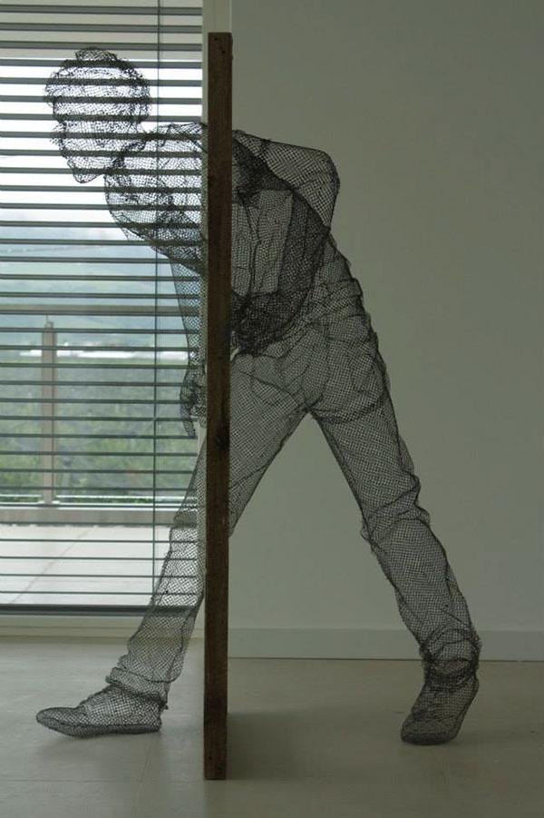 meticulous wire sculptures  edoardo tresoldi 9