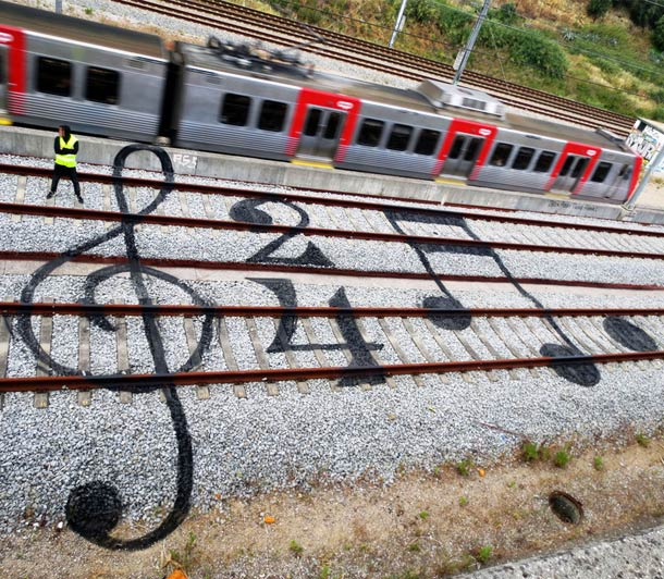 RAILWAY ARTWORK BY BORDALO II