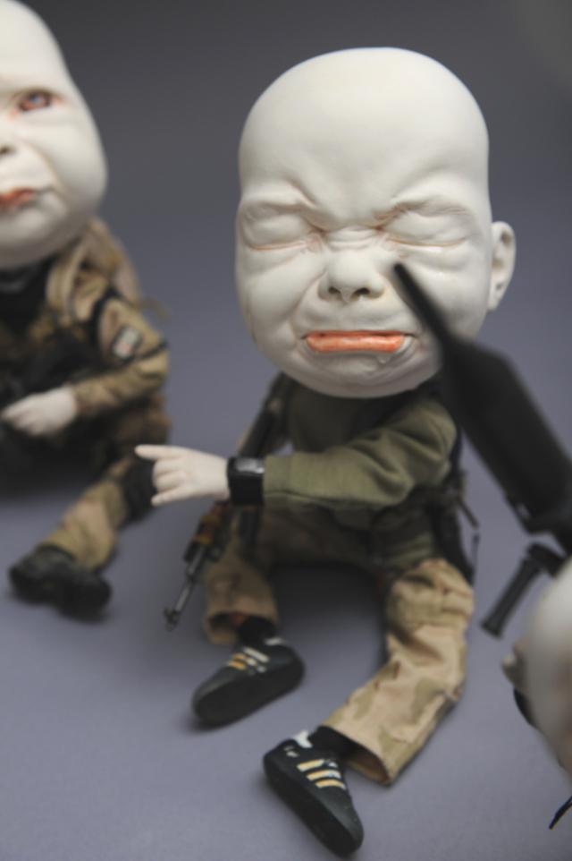 Creepy Ceramic Sculptures Johnson Tsang 13