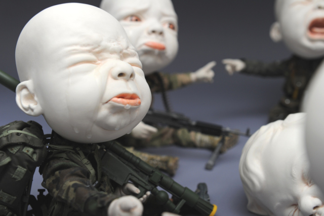 Creepy Ceramic Sculptures Johnson Tsang 14