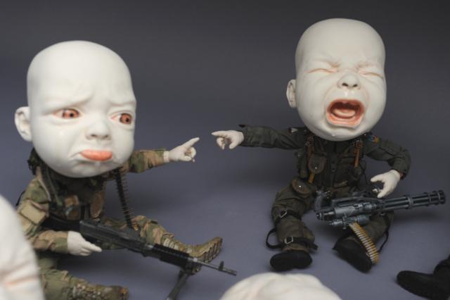Creepy Ceramic Sculptures Johnson Tsang 15