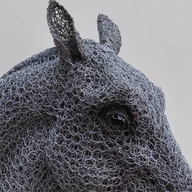 Galvanized wire sculptures  Kendra Haste 11