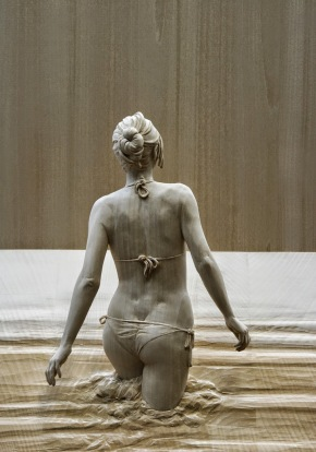 realistic wooden sculptures Peter Demetz 0
