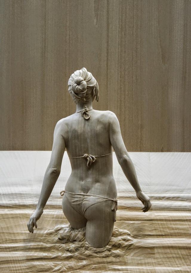 realistic wooden sculptures Peter Demetz 0