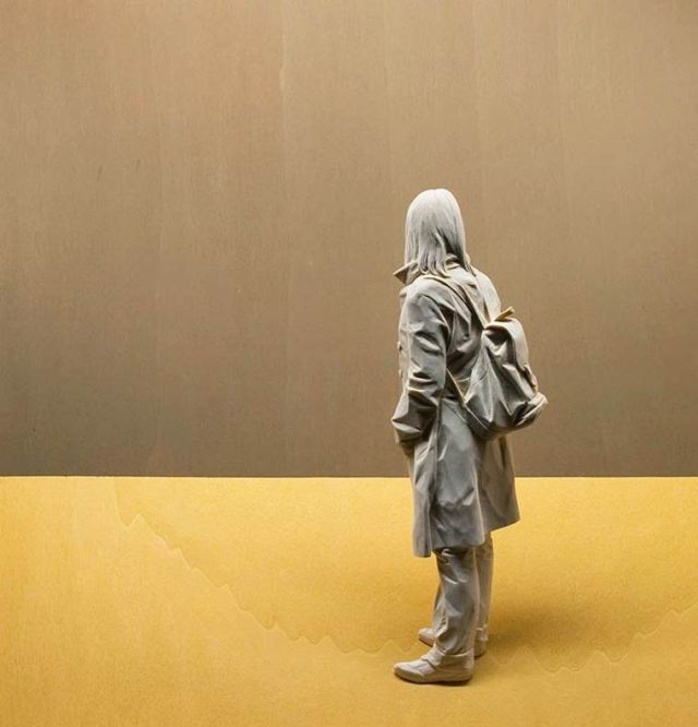 realistic wooden sculptures Peter Demetz 12