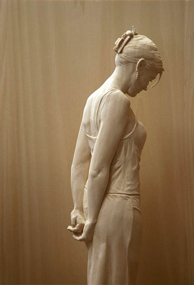 realistic wooden sculptures Peter Demetz 3