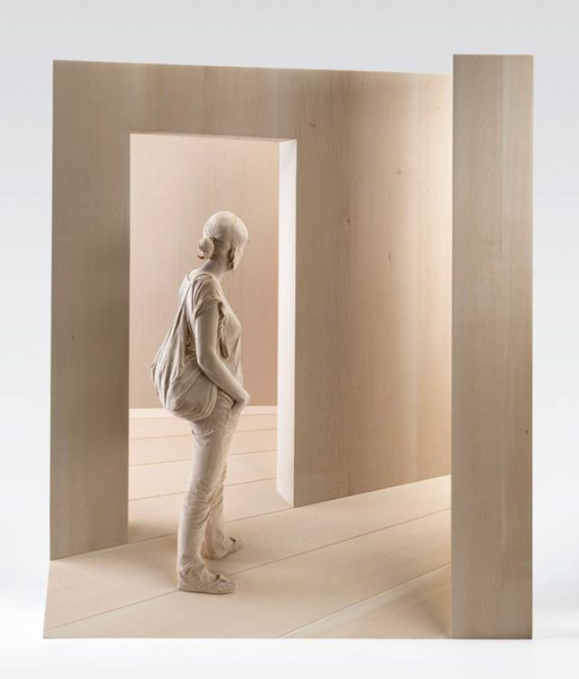 realistic wooden sculptures Peter Demetz 6