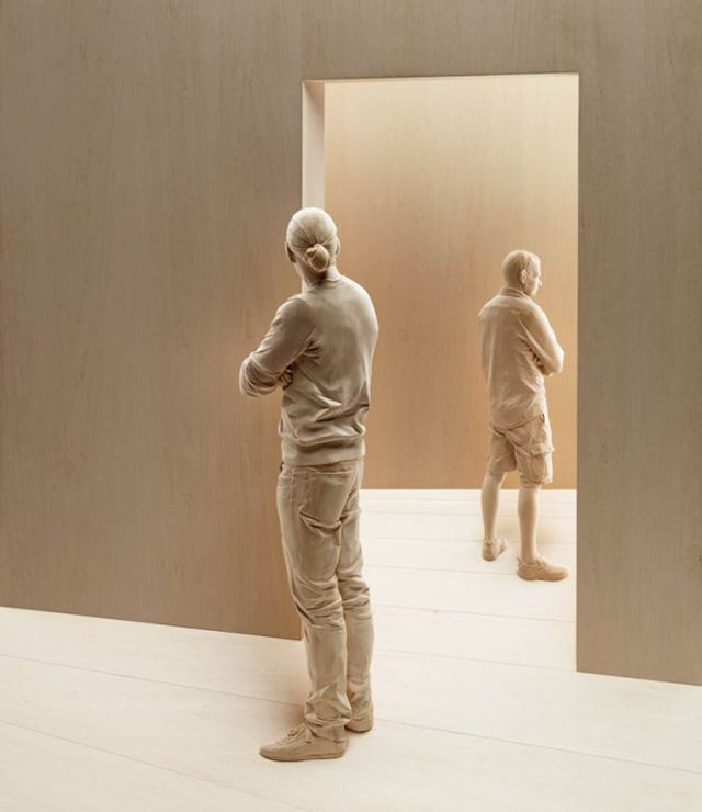 realistic wooden sculptures Peter Demetz 9